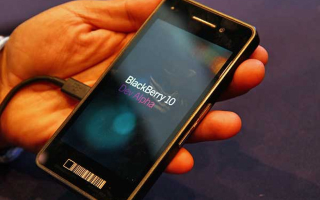 BlackBerry 10 OS, BB10 Operating System, BlackBerry 10 Dev Alpha device