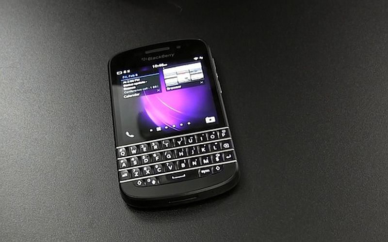 BB Q10, BlackBerry Q10, BlackBerry 10 smartphone